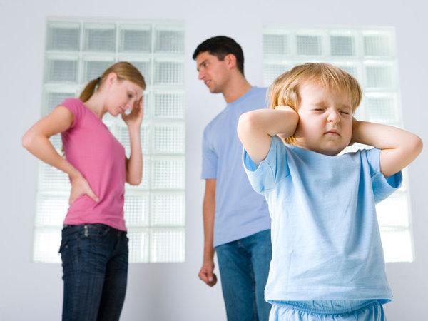 ¿Cómo afectan a los hijos las discusiones de sus padres?
