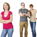 Si está de mal humor, espere antes de disciplinar a sus hijos