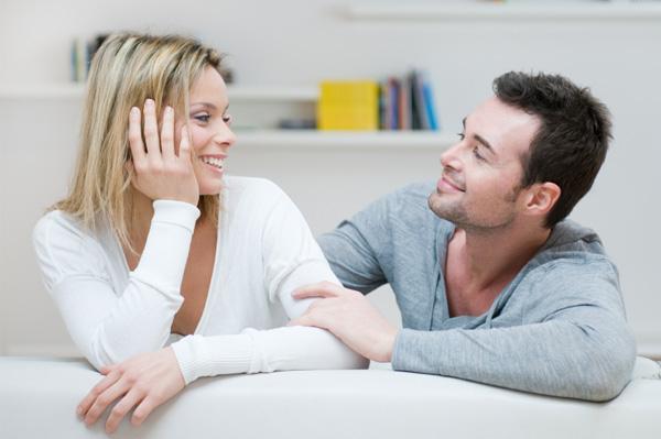 Escuchar a su cónyuge cuando hay conflictos, ayuda mucho