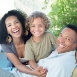 La felicidad en familia es posible si sometemos el hogar a Dios