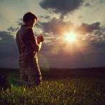 Las batallas contra las tinieblas se libran en oración