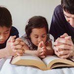 No podemos cansarnos de orar por la familia.